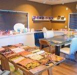 光織物の本社事務所。敷地内に2017年、ファクトリーショップを開設し、kichijitsuアイテムの販売や御朱印帳づくりのワークショップを開催