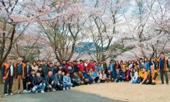 桜の名所でもある犬鳴御別館で記念撮影