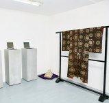 本場奄美大島紬の海外での販路拡大を目指し、パリの展示会に出展