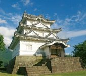 宇和島城:現存12天守の一つで国指定重要文化財。慶長6(1601)年に藤堂高虎が現在地に築城。その後、大改修が行われ、寛文11(1671)年に完成。現在にその姿を残す