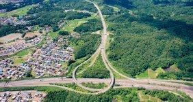 北陸自動車道と上信越自動車道が結節する上越ジャンクション