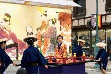 七夕絵どうろうまつり:京都から佐竹南家七代義安公に輿入れしたお嬢さまをお慰めするために始まった