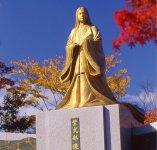紫式部公園の紫式部像:一生にただ一度、1年だけ越前市(旧武生市)で過ごした