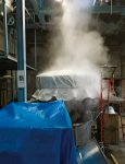 米を蒸す装置の「甑(こしき)」は、全国でも珍しい昔ながらの木甑(きこしき)を今も使い続けている