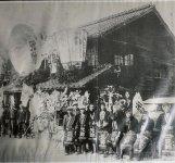 昭和初期、全国酒類品評会で3年連続優秀賞に輝き、名誉賞を獲得したときの祝いの様子