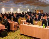 事例発表を見る会場の参加メンバーたち(中地区)
