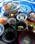 特別ランチの相馬御膳(3000円)は、ホッキ貝蒸しやお造り、小鉢3点、香の物、自家製甘酒などの地のもの尽くし