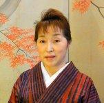 「地域とのつながりを大切に、地産地消で店を、まちを、盛り上げていきたい」と語る女将の鈴木智子さん
