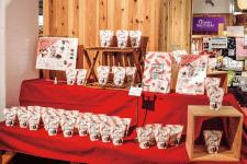 「海苔でサンド」を販売するブース