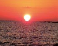 東シナ海に沈む美しい夕陽が見られる