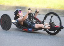 ITUパラトライアスロンワールドカップ(2019/東京)でハンドサイクルをこぐ土田選手 撮影:吉村もと