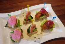 気軽に食べられる軽食「八幡浜ピンチョス」の一例