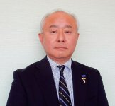「『空港はちみつ』を目当てに島根に旅行に来るという人も少しずつ増えています。ここでしか買えないというプレミア感を大切にしたい」と話す菅隆宏社長