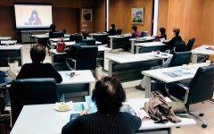ひたちなか商工会議所(茨城県)でリモート参加する会員たち