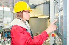 「女性は工程管理が上手ですし、作業も丁寧です」と今野さんは評価する