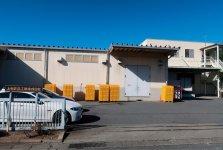 本社兼工場で牛乳や乳製品、発酵乳などを生産している