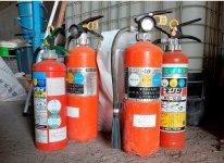 肥料の原料となる消火器は、主に設備会社などから集める