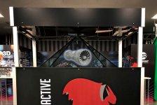 「マジックピラミッド」は裸眼VRで、在庫を持たずにブランドショップを展開することも可能に。東京タワーメディアセンター内の「東京ショールームAVR Japan」にて展示中