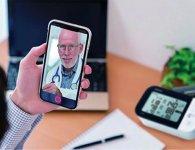 「電子血圧計」などで収集したデータを医療従事者と共有して非接触の遠隔診療を実現
