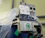 酒蔵の樽に設置したIoTセンサーが自動でもろみの温度を計測・記録していく