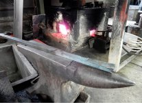 製作する刃物に合わせて鋼と地鉄を選定