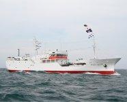 濱幸水産の漁船「欣栄丸」。マグロ漁船は通常、1回の航海が1~2年。同社では半年~1年と短くした「働き方改革」を試みている