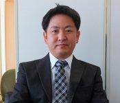 今年1月に社長に就任したばかりの富樫智行さん。「これからも世の中に役立つ製品をつくっていきたいと思っています」