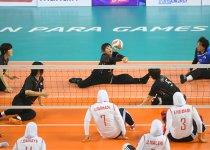 「ジャカルタ2018アジアパラ競技大会」の日本対イラン戦で、レシーブする西家道代選手 撮影:吉村もと