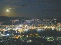 すり鉢状の地形が創る立体的な長崎の夜景