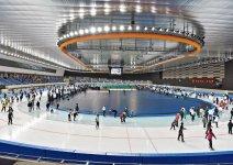 長根室内スケート場(YSアリーナ八戸)2019(令和元)年9月オープンの通年型アイスリンク。400㍍スピードリンクは国内外の大会が開催可能