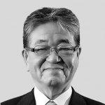 事業活動表彰を受ける宮崎・米良充典会頭