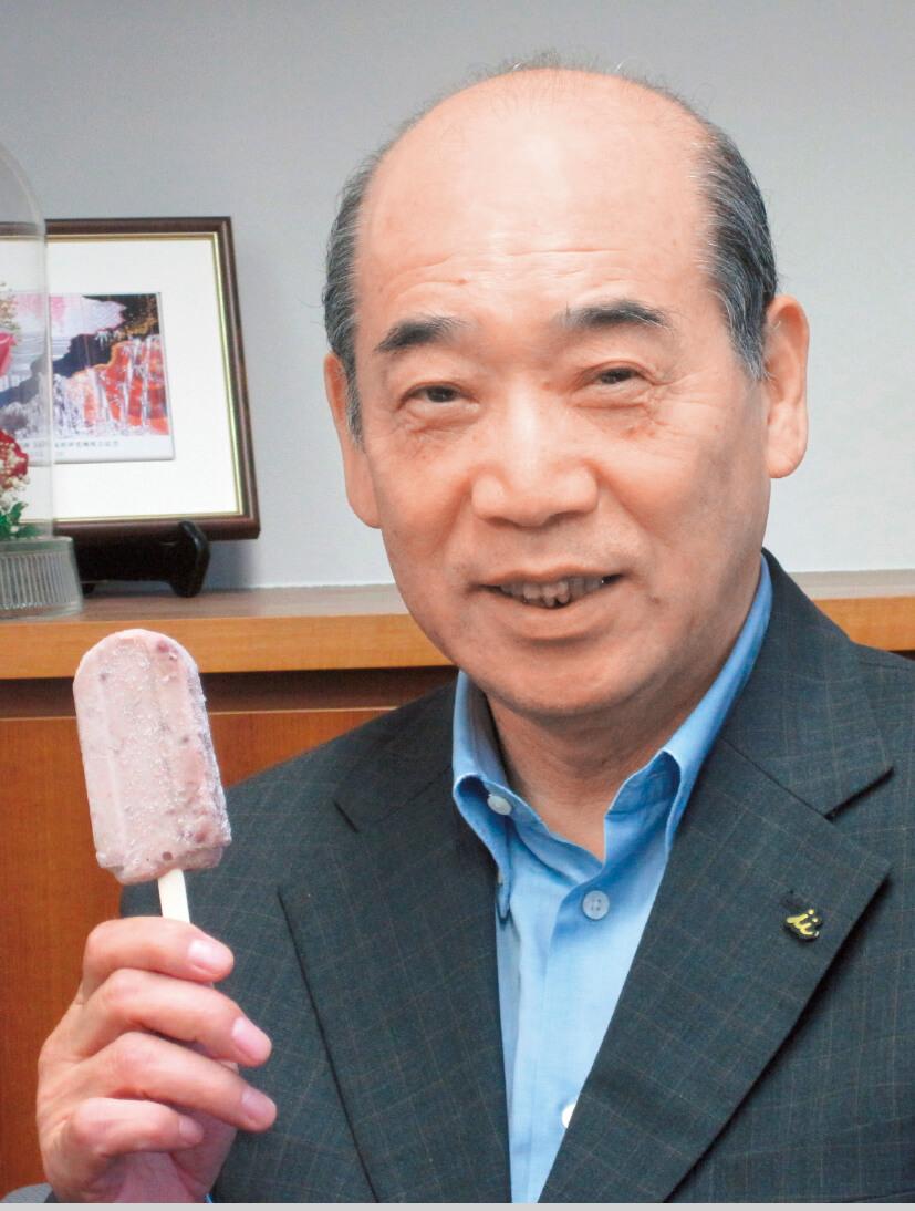 「ロングセラーとなるには、ニーズを見極めたマーケティングが必要。『商い=飽きない』の代表例があずきバーです」と語る浅田剛夫さん