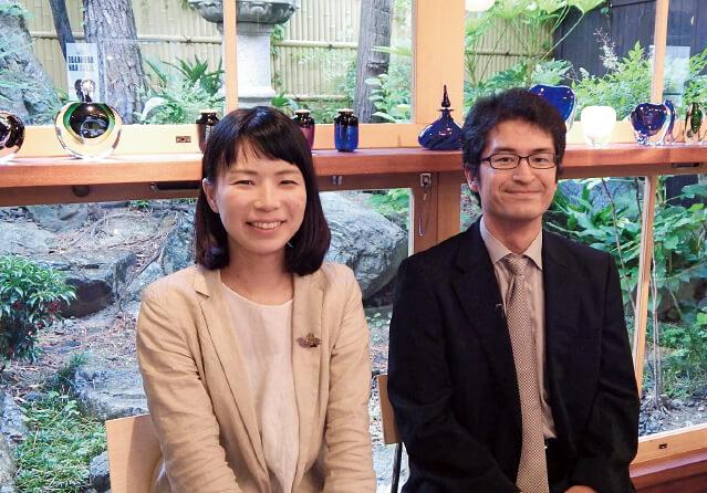 黒壁の手崎俊之さん(右)と粟屋瞳子さんは「首都圏からもっと多くの人を呼び込みたいですね」と意気込む