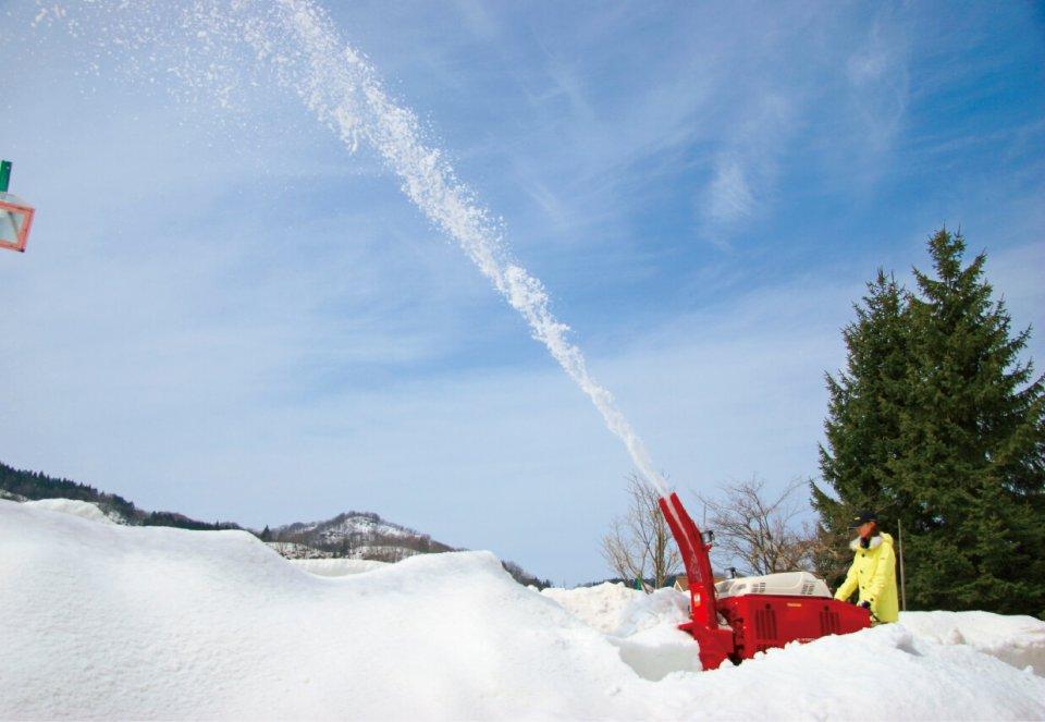 除雪機は北極圏から南極まで世界各地で活躍しており、国内外ともに高いシェアを誇るフジイコーポレーションの主力商品
