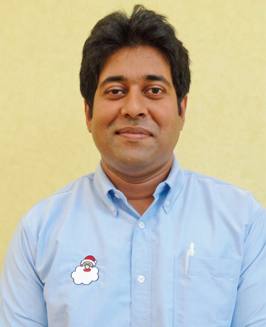 バングラデシュ出身のモハメド・サイフ・ビン・バドシャさん。機械事業の商品開発部制御グループに所属