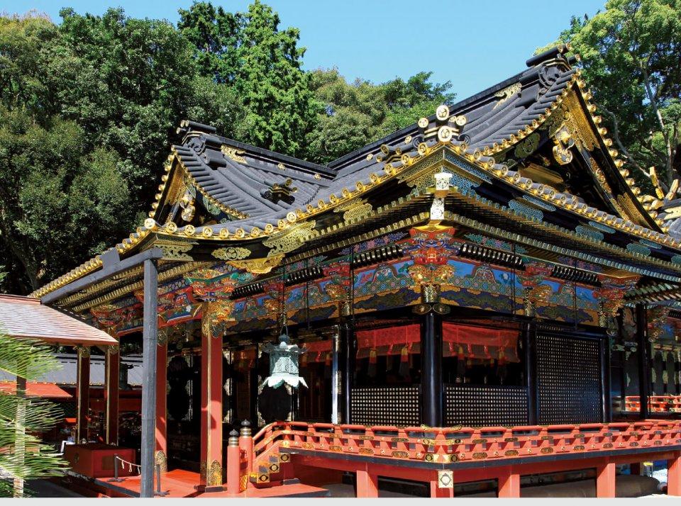 復元された「東御門」と「巽櫓」が当時の駿府城の壮大さを思わせる駿府城公園は豊かな緑が広がり、地域の人の憩いの場となっている