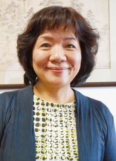 開発室長、営業部長、品質管理責任者として社内の効率化を推進している黒川正枝さん