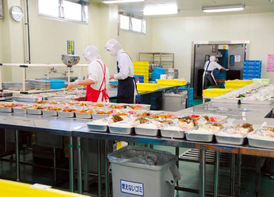 クック・チャム本社に併設される工場(セントラルキッチン)では、各惣菜の「キット」を一括製造する
