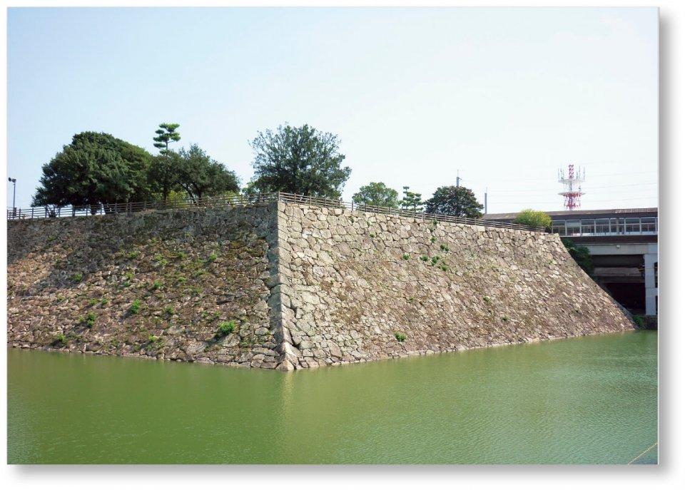 毛利元就の三男である小早川隆景が築いた三原城天守台