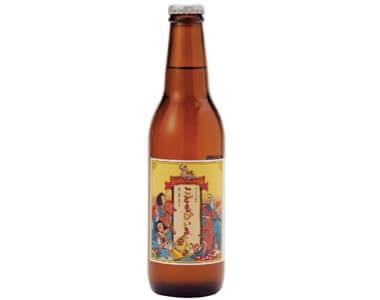 ビールの小瓶とほぼ同容量(330㎖)で見た目も似ている「こどもびいる」。昭和の香り漂うレトロなラベルデザインも人気の理由だ。箱入り3本セット756円(税込)