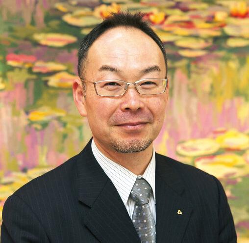 現社長の渡辺博明さんは、青山学院大学卒業後、山形テレビ勤務を経て平成3年に入社。18年に代表取締役社長に就任