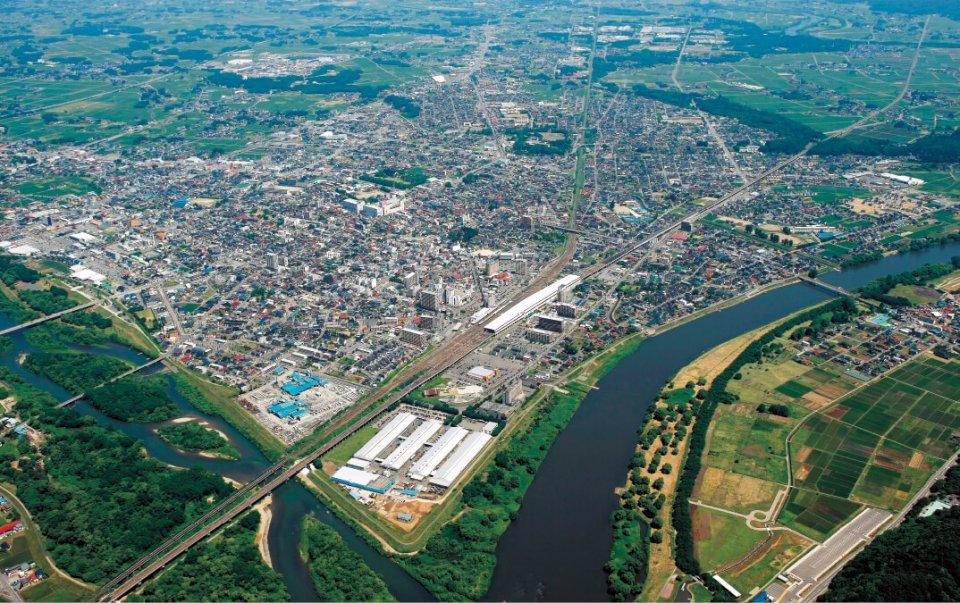 北上川と和賀川が合流し、人が住むのに適した地理的条件を備えており宿場町として栄えてきた