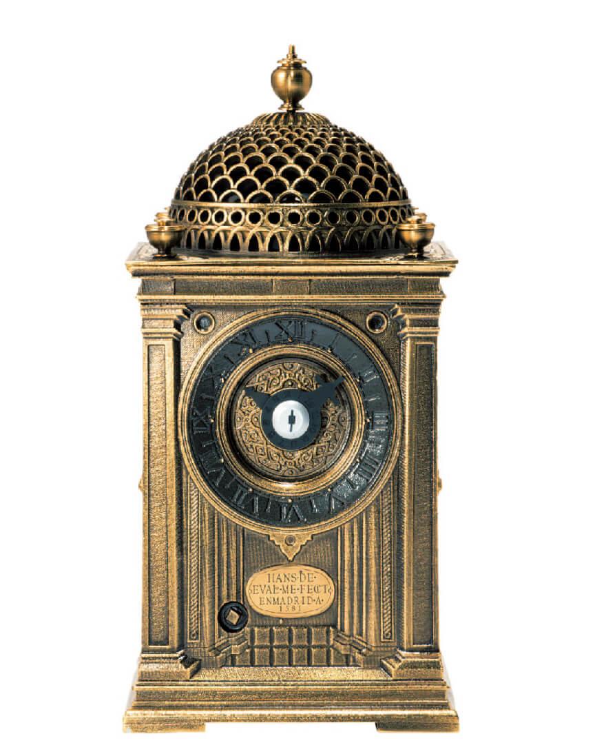 慶長16(1611)年にスペイン国王のフェリペ3世から家康公に贈られた、日本に現存する最古の機械式時計のレプリカ。家康公没後400周年を記念して安心堂が限定品として制作した