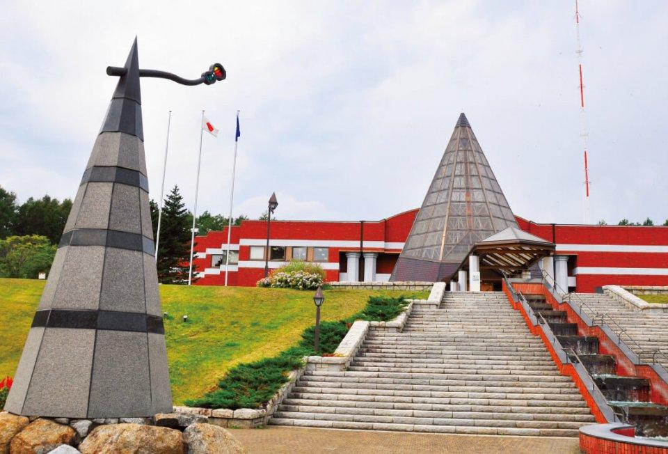 北方民族博物館。オホーツク文化をはじめとする北方地域に独自に栄えた文化と歴史を展示している