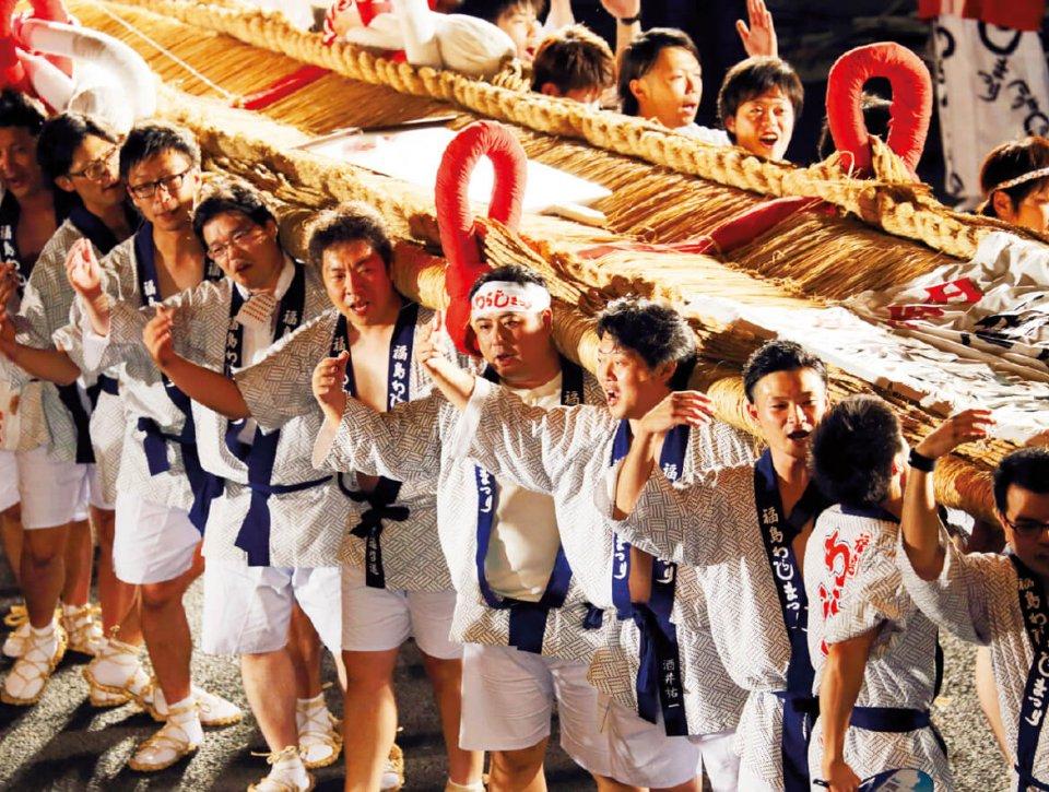 福島市で毎年8月に行われる「福島わらじまつり」。東日本大震災の鎮魂と復興を願って開催されている「東北六魂祭」にも参加している