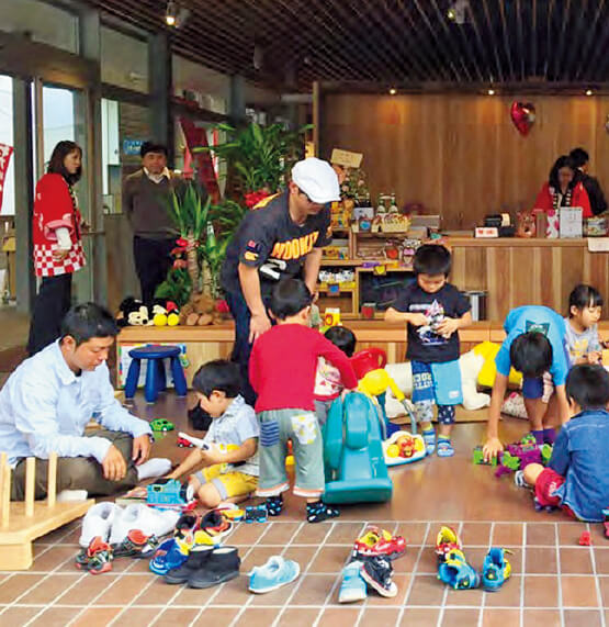 「油津Yotten」では、貸しスペースのほかに、子どもたちが自由に過ごせる場所も