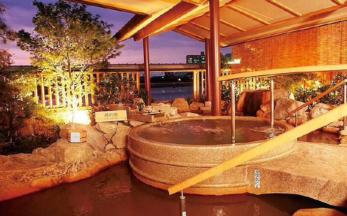 長良川温泉の泉質は単純鉄冷鉱泉で、神経痛や運動麻痺、慢性消化器病、月経障害などに効能があるとされている