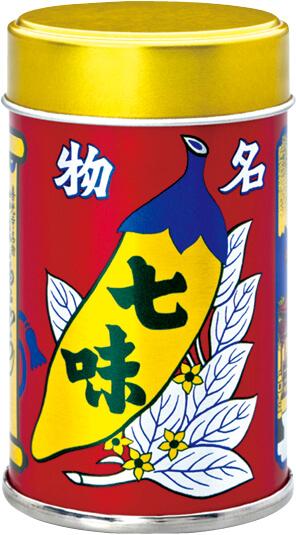 八幡屋礒五郎の七味のシンボルともいえるブリキ缶は、大正13年に六代目が考案し、デザインしたという