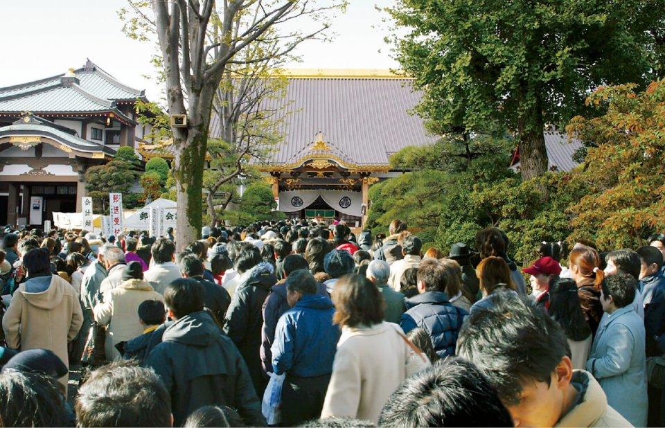 佐野厄除け大師(惣宗寺)は正月になると数十万の参拝者でにぎわう
