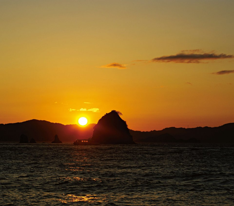 夕日の二見 写真提供:写真提供:松山市